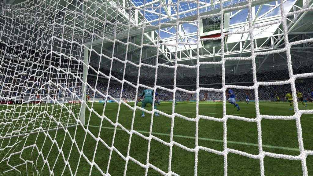 FIFA 13 - Widok z kamery za bramką