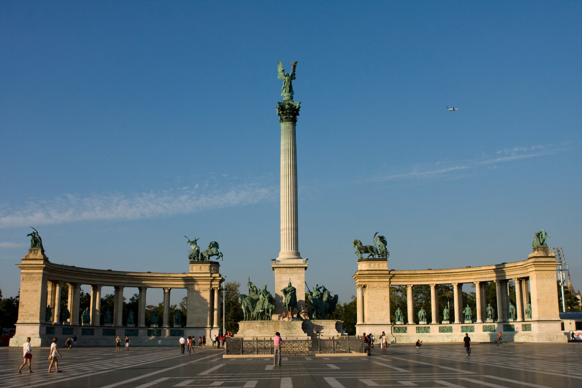 Pomnik tysiąclecia na Placu Bohaterów w Budapeszcie
