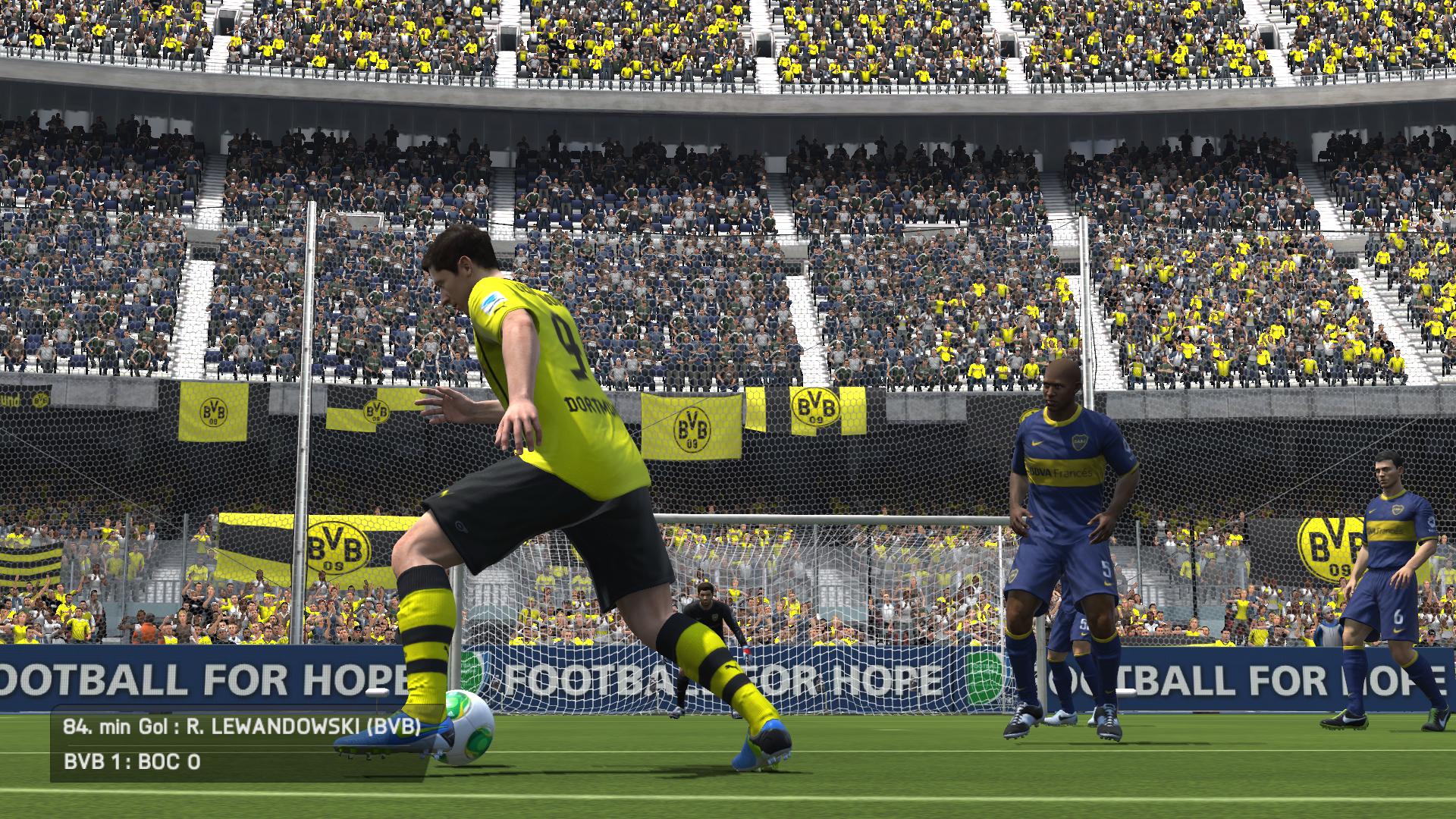Powtórka strzelonej bramki przez Roberta Lewandowskiego w FIFA 14